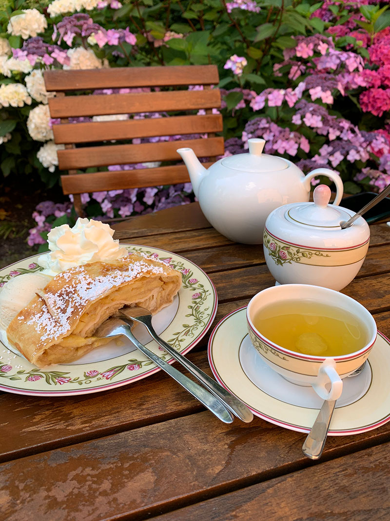 Jever Schlosspark mit Café & Teepavillon