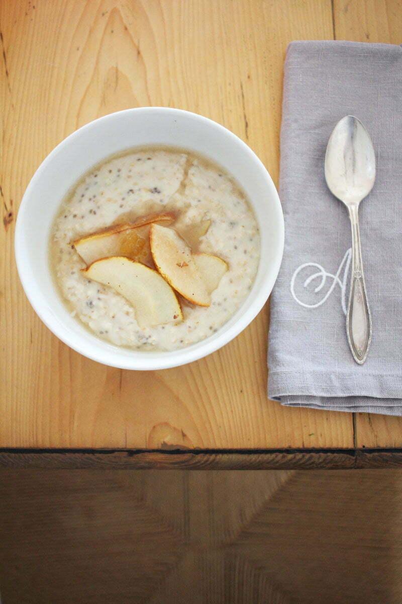 Veganes Frühstück: Chia-Porridge mit Cashewmilch