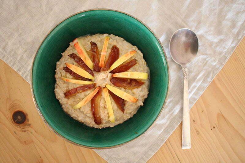 Vegane Frühstücksideen: Porridge mit Cashewmus