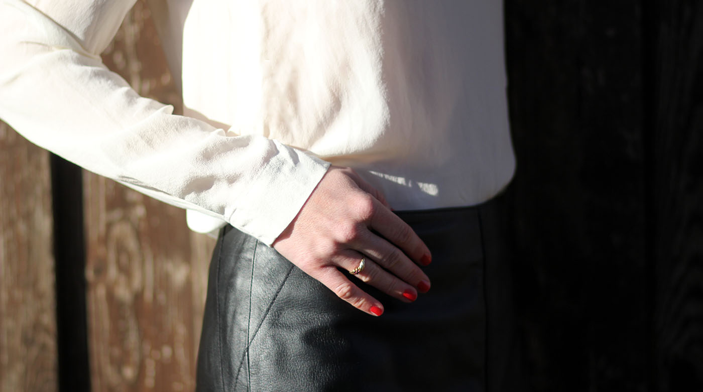 Outfitpost: Wie kombiniert man einen Lederrock klassisch?