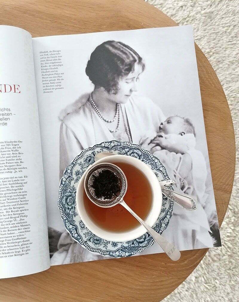 The Royal Collector's Edition: Queen Elizabeth II
